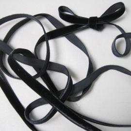black velvet ribbon