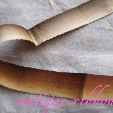 Vintage ombre ribbon Victorian era silk 5/8 inch wide